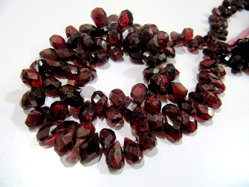 Mozambique Garnet Faceted Pears Shape Beads