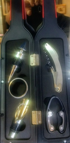 WINE BOTTLE GIFT SET TOOL KIT