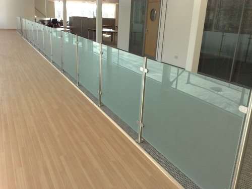 SS Hand Railing with Glass