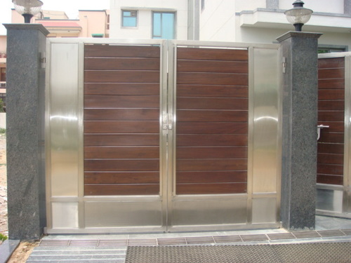 SS Designer Main Gates