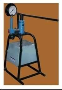 Hydraulic water test hand pump