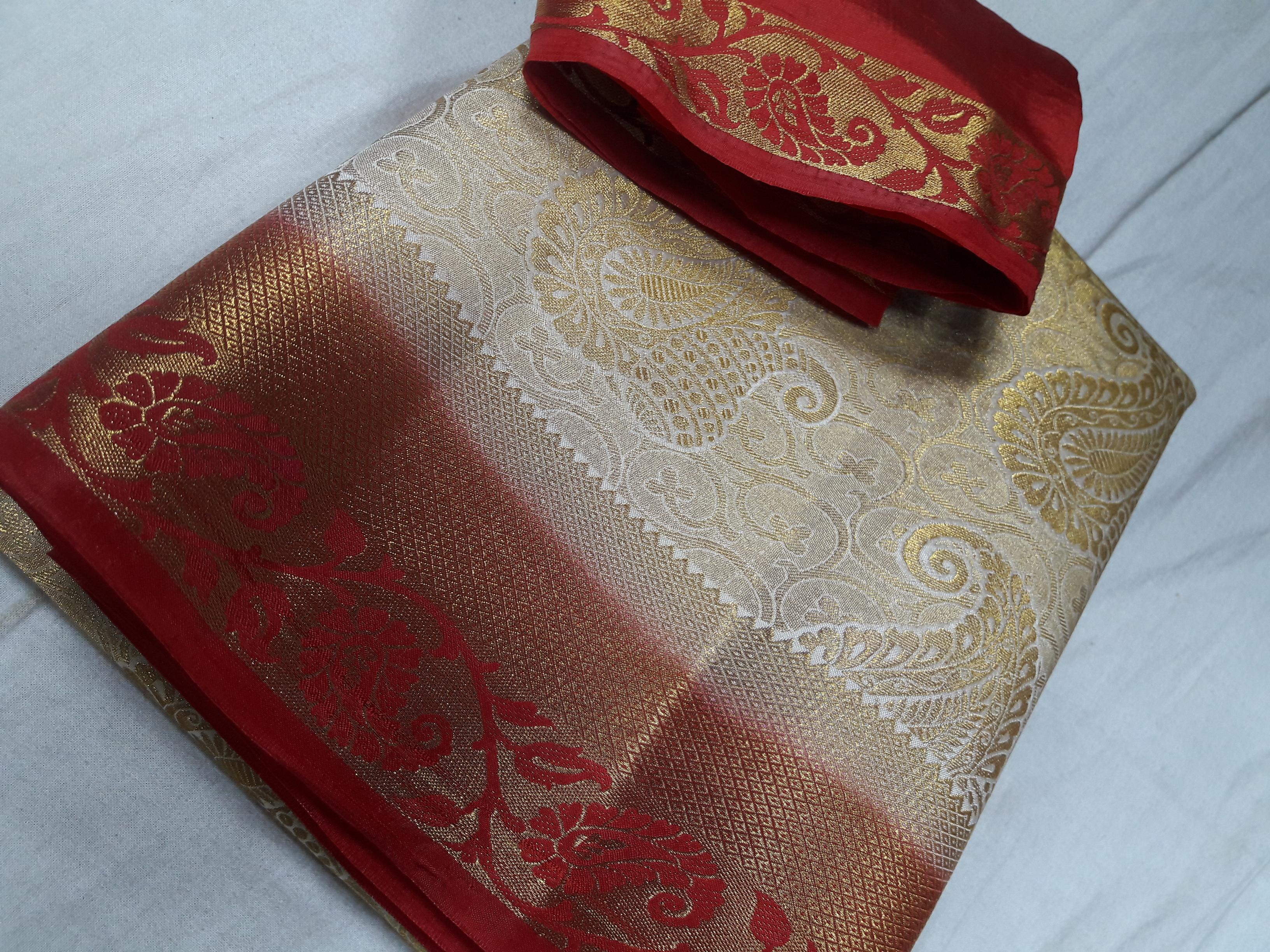 Kanchiuram Art Silk Brocket Contrast Saree