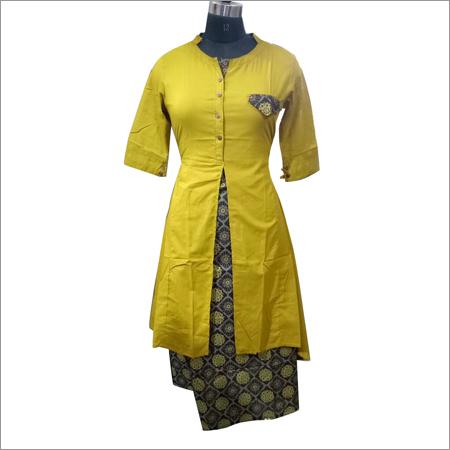 Ladies Designer Slit Cut Cotton Kurti