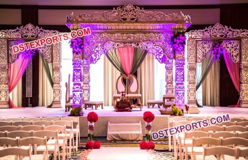 Traditional King Stage for Wedding