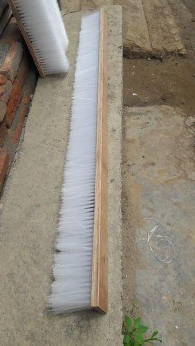 Nylon Wire Wooden Brush