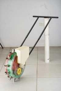 Manual Seed Drill Machine