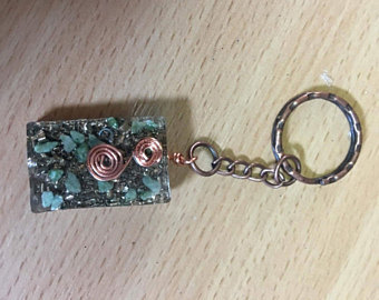 Orgonite keyring with brass and jade finished