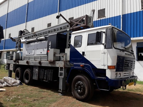 300 Meter Depth Tuck Mounted Hydraulic Drilling Rig Water Well