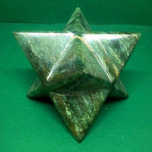 80MM Natural Green Kyanite Stone Merkaba Star