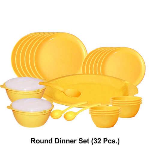 Microwave Safe Plastic Round Dinner Set (32 pc.)