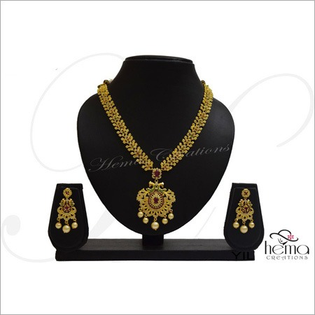 Ladies Traditional Necklace Set
