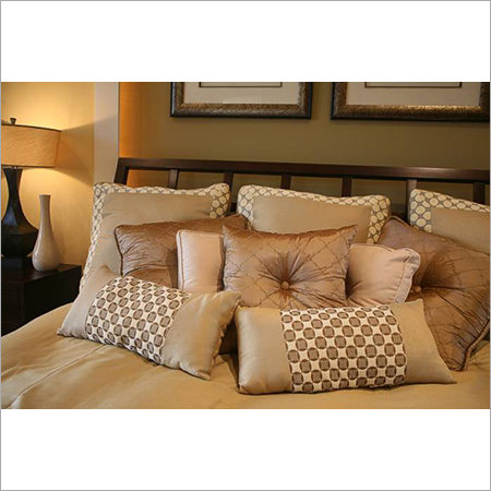 Decorative-Pillows-for-bed1