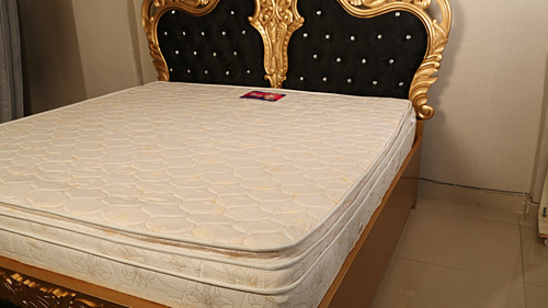 Natural Latex  Memory Foam Majestic Top Mattress