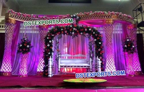 Stylish Crystal Pillars Stage Decoration