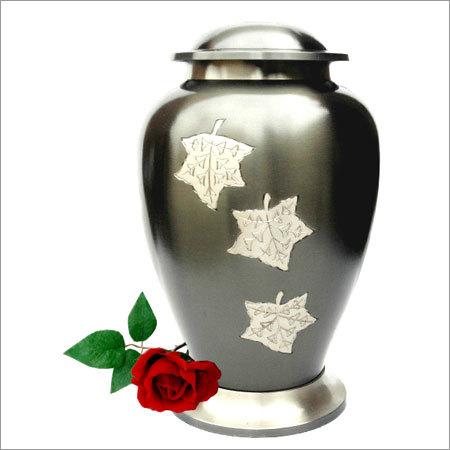 2010-L-Falling Leaves Cremation Urns