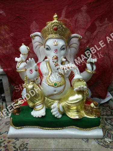 Goldan Ganesha Statue