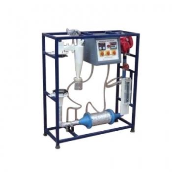 Fluidized bed heat transfer apparatus.