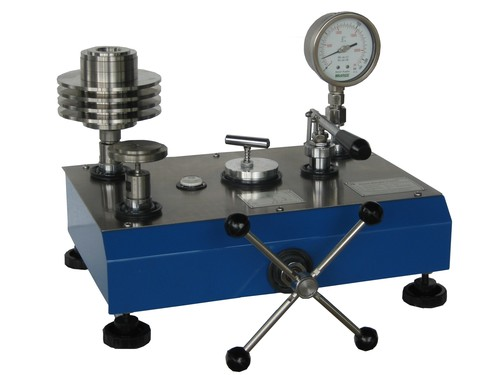 Dead Weight Pressure Gauge Tester apparatus