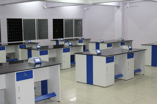 Laboratory Furniture Manufacturer in Coimbatore