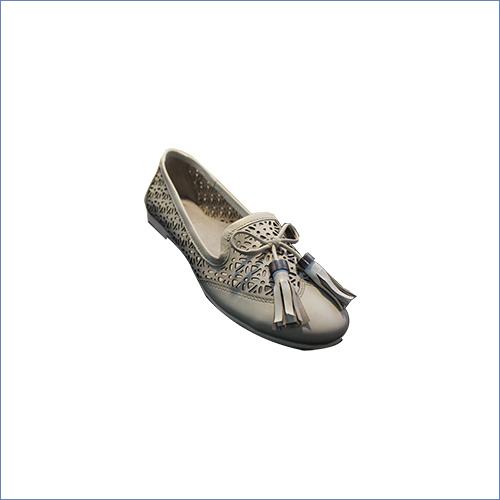 Ladies Laser Cut Shoe