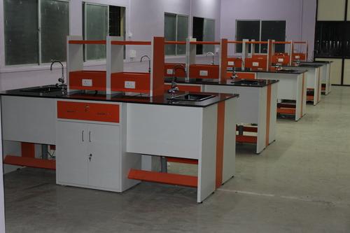 Laboratory Furniture Supplier in Karnataka
