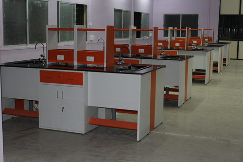 Laboratory Furniture Supplier in Karnataka