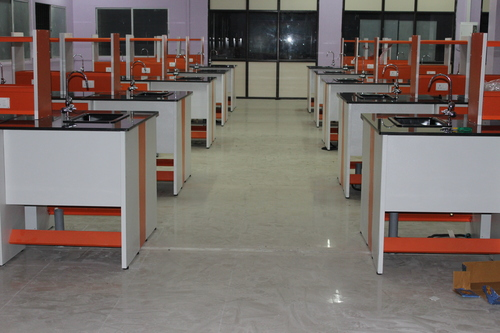 Laboratory Furniture Supplier in Chennai