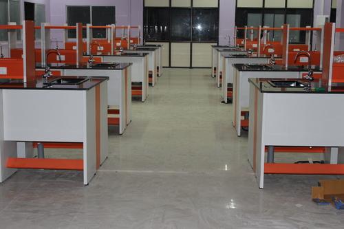 Laboratory Furniture Supplier in Chennai
