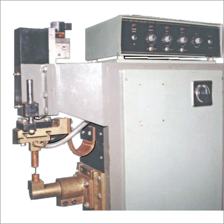 Single Lug Welding Machine