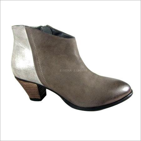 Ladies Ankle Footwear
