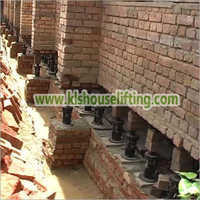 House Lifting with Jacks in Yamunanagar