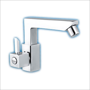Quadra - Swan Neck With Swivel Spout