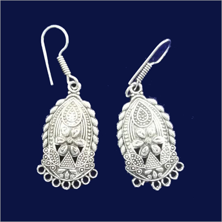 Ladies Metal Designer Earring