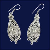 Ladies Metal Earring
