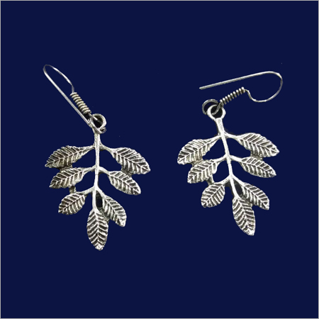 Ladies Leaf Design Earring