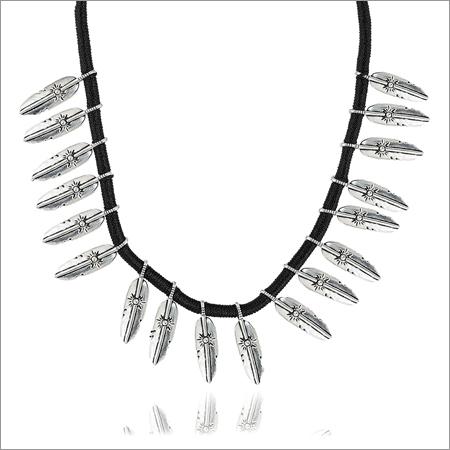 Trendy Jewelery Black Fabric Strand Necklace For Women
