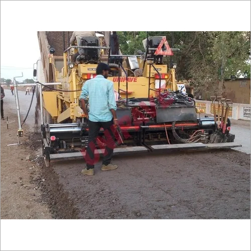 Wet Mix Sensor Paver Finisher