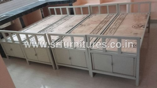 Hostel Iron And Wood Single Cot