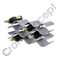 METAL PYRAMID WINE RACK