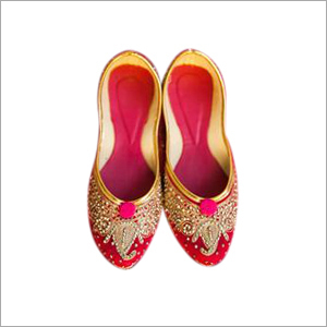 Ladies Red Beaded Punjabi Jutti