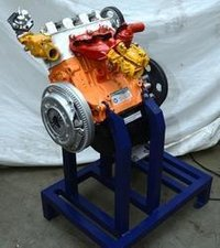 4 stroke 3/4 cylinder petrol engine ( hand driven actual cut-sectional )