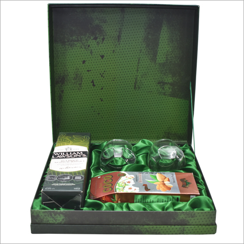 Beverages Packaging Green Gift Box