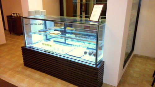 Display Pastry Counter