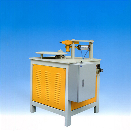 Steel belt bending machine