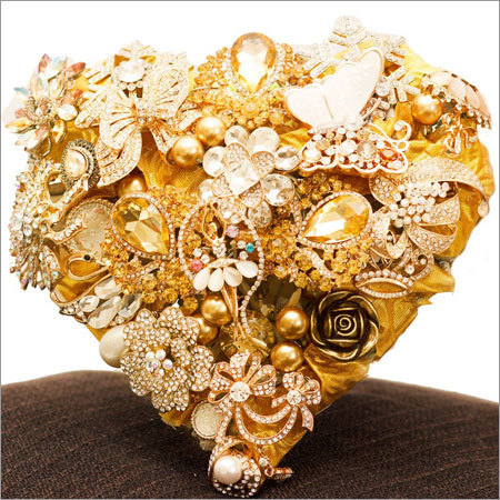 Heart Shape Bouquet with Gold Base and Cream Accents