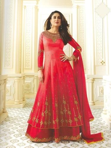 Kareena Kapoor Red Georgette Abaya Style Anarkali Suit