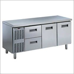 Hot Case And Under Counter