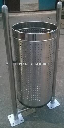Pole Hanging Dustbin Manufacturer