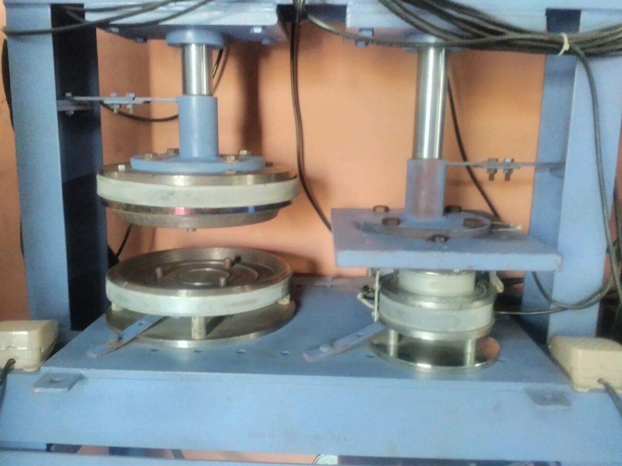 Zig Zag Hydraulic Paper Plate Making Machine