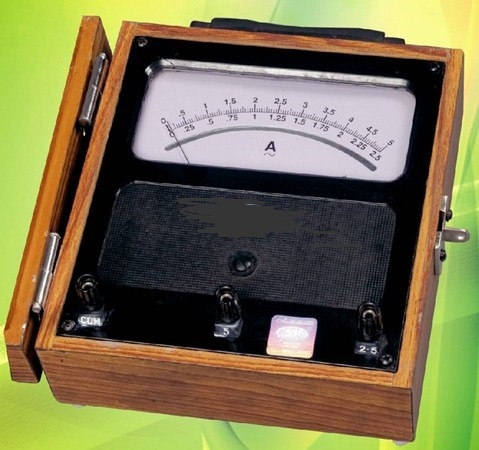 Moving Coil Portable Meter (DC)
